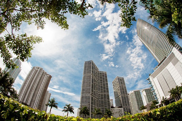 Miami - Learn how buying a property in Miami as a foreign buyer works.