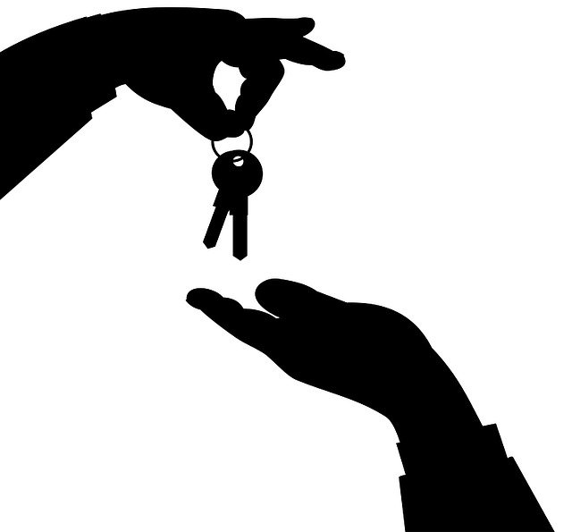 Getting the keys from leasing a commercial property in Florida.
