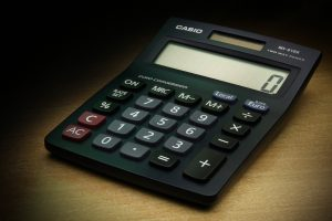 A calculator to set the costs for consolidated shipping from Bahrain to Miami.