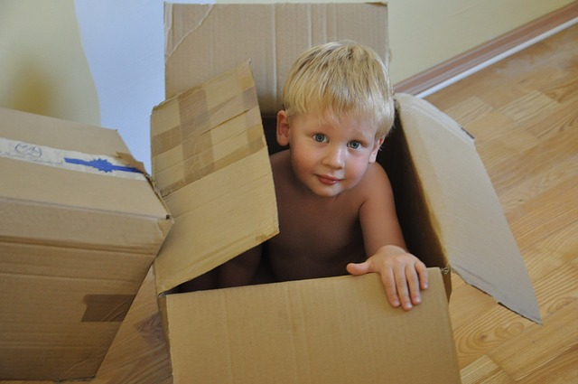 child in a box - best and worst places to move if you are a single parent